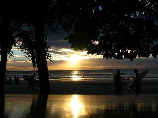 Hotel Nahua: sunset at the beach