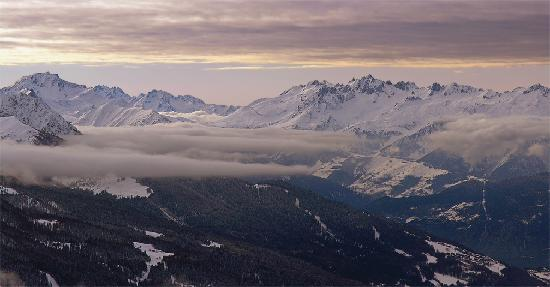 Belambra Clubs - L'Aiguille Rouge: Sunset with clouds over Vallandry / Arc 1800