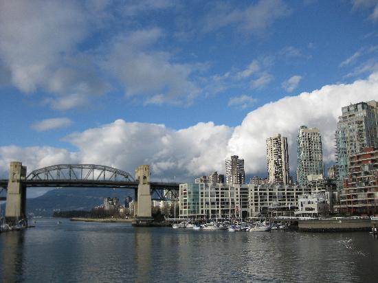 Shangri-La Hotel, Vancouver: View from Granville Island