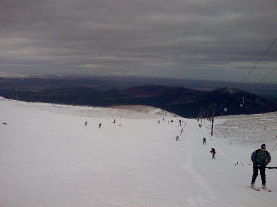 Highlands Hotel at Macdonald Aviemore Resort: Ski at Cairngorm Mountain