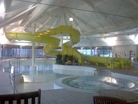 Macdonald Highlands Hotel at Macdonald Aviemore Resort: Indoor swimming pool