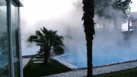 Panoramic Hotel Plaza: La piscina esterna