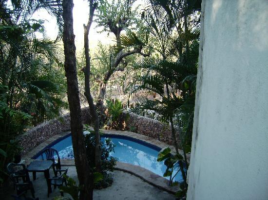 โรงแรม ลาตอร์ตูกัส: little pool by the appartment