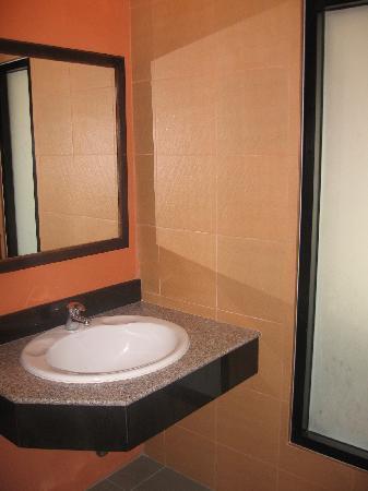 Lanna House: bathroom