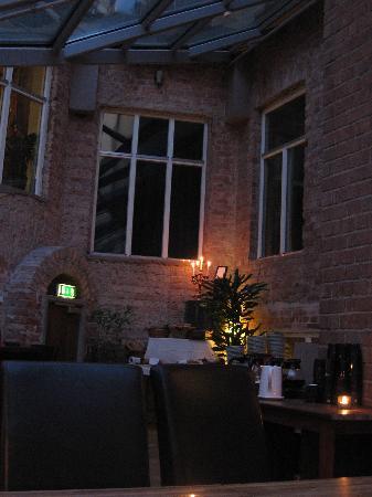 Hotel Hellsten: salle petit déj bis