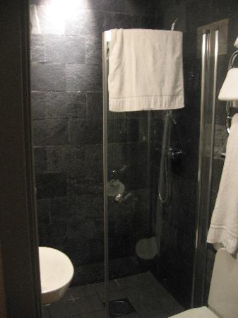 Hotel Hellsten: salle de bain