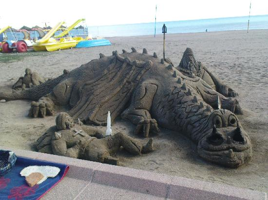 La Barracuda Hotel: Sand Sculpture