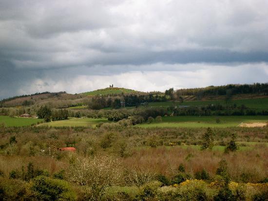 Darragh Cottages: Area around Darragh