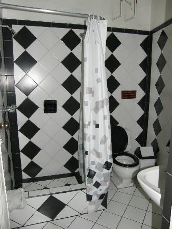 La Posada del Parque: Bathroom wasn't bad
