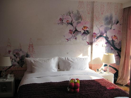Seven Hotel : the pink room