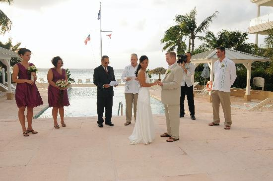 Caribbean Club: Ceremony at the top of the pool