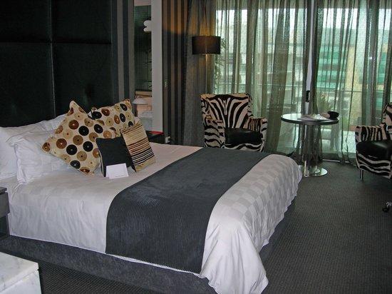 Emporium Hotel: Bed