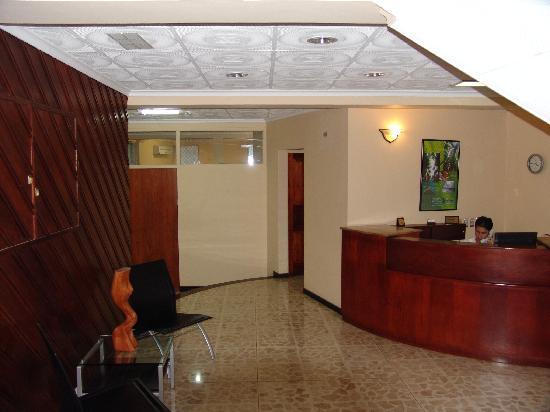 Apartotel  La Perla : Lobby