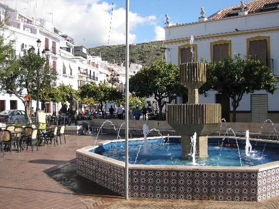 Torrox Pueblo plaza mayor