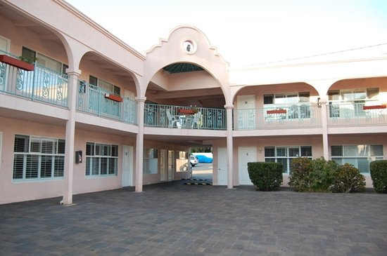 Sea Shore Motel: Exterior