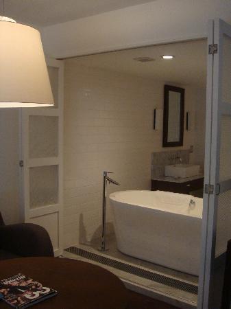 Dojima Hotel: Bathroom