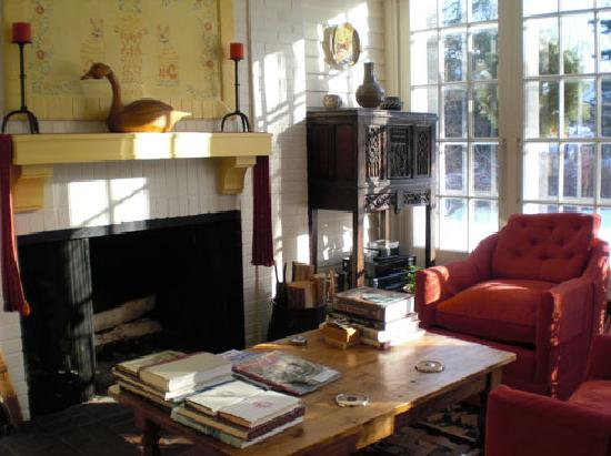 Squire House: One of three sitting rooms