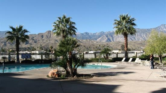 Holiday Inn Express Cathedral City (Palm Springs): Picture doesn't really do justice to pool area