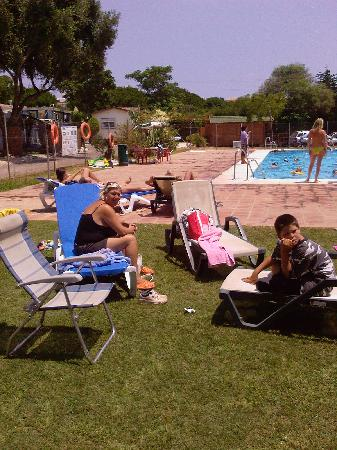 Camping Cabopino: My family at the pool