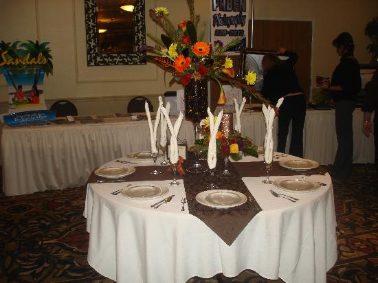 Holiday Inn Express and Suites Beatrice: banquet table at reception