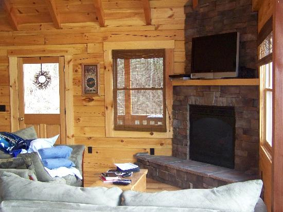 Rustic Cabins: Inside the cabin