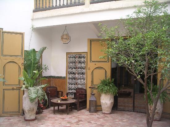 Dar Rbaa Laroub: patio
