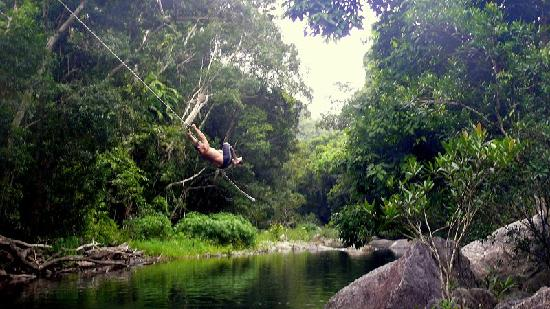 Zanzoo Retreat: rope swing!