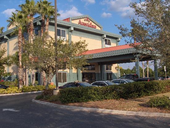 La Quinta Inn & Suites Sarasota I-75: Hotel entrance
