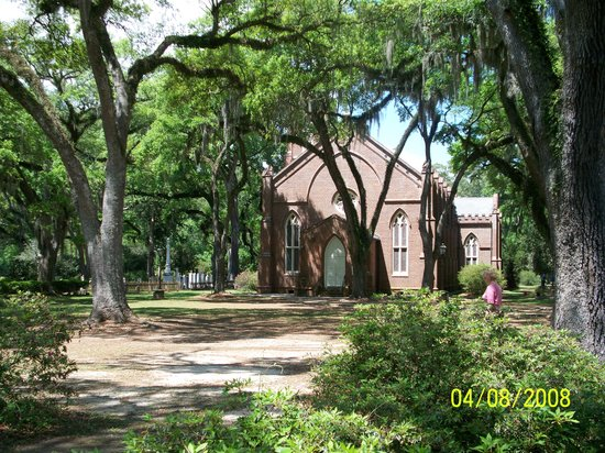 Saint Francisville, LA: Church and old Cemetary,St Francisville