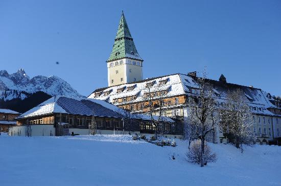 Schloss Elmau: Das Hotel im Winter