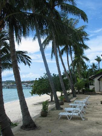 Secret Garden Beach Resort: The beach