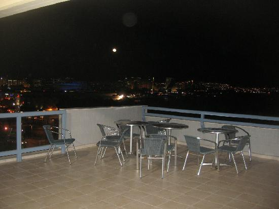 Eilat Guest House: outside deck near rooms