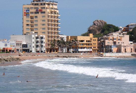 Zoomed view across Playa Olas Altas