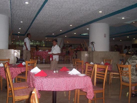 Hotel Casablanca: indoor diningroom