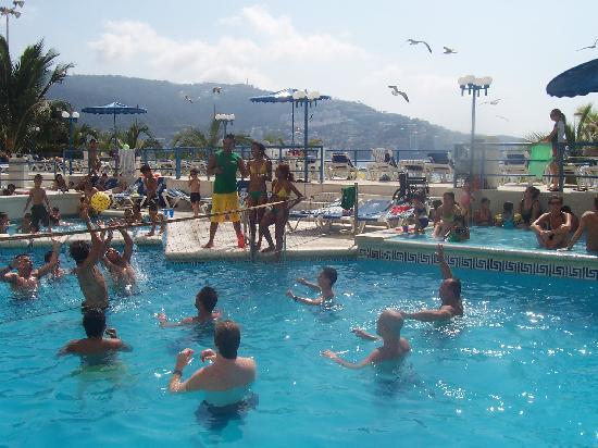 Hotel Casablanca: pool volleyball