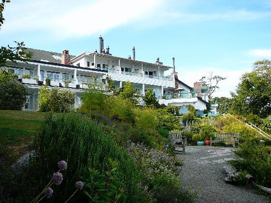 Sooke Harbour House Resort Hotel: White clapboard inn overlooking Juan de Fuca Strait