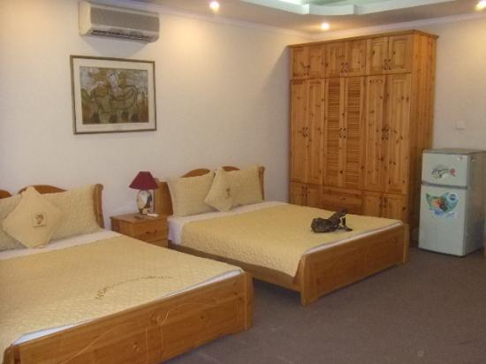 Pacific Hotel: Bedroom