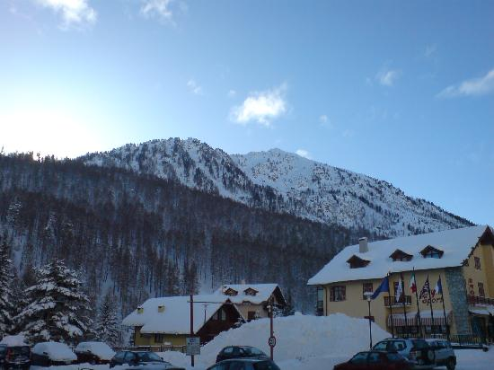 Claviere, Italia: Lovely view of mountains!