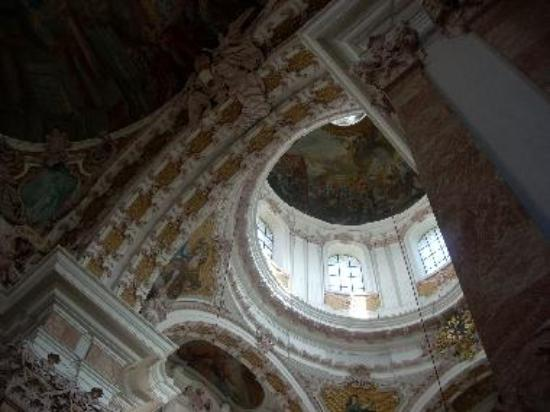 The rich Baroque interior of Dom St. Jakob