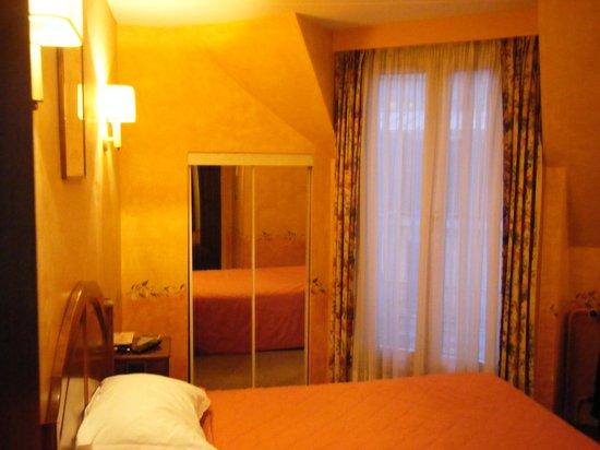 Hotel Harvey: Room 61