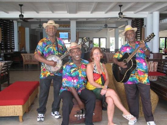 Royal Decameron Montego Beach : Afternoon and early entertainment band