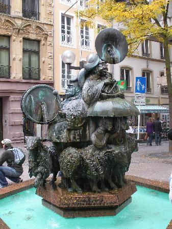 Luxemburgo: fountain