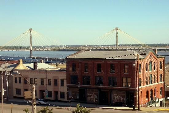 Alton, IL and Clark Bridge