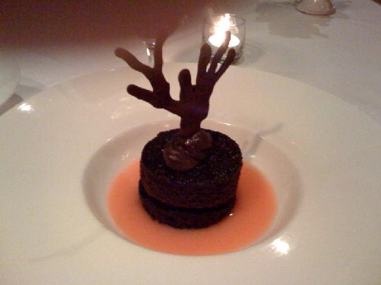 Restaurant Stella: Chicolate Cake with Hot Buttered Pink Lemonade