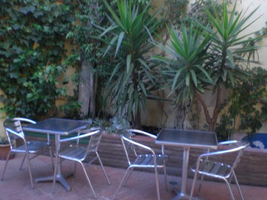 Hostal Terramar : breakfast spot