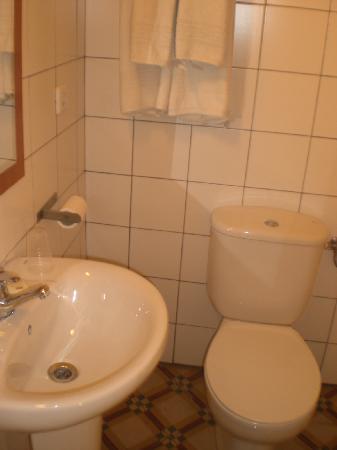 Hostal Terramar : my bathroom