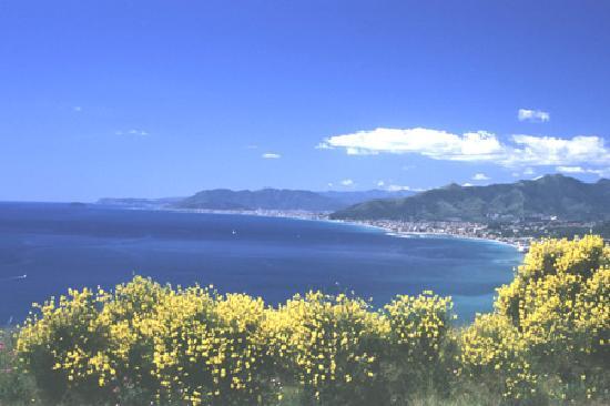 Villa Tempo D'Estate: vista panoramica dal belvedere di verezzi