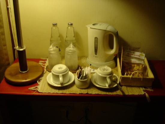 Hotel Bumi Sawunggaling: Minibar