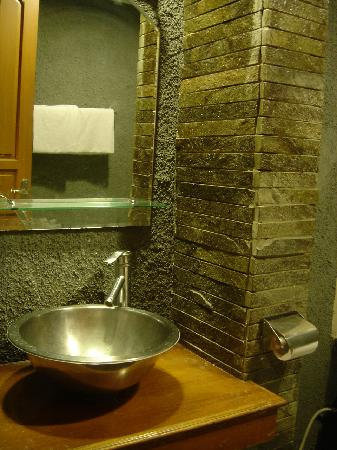 Hotel Bumi Sawunggaling: Junior Suite - Basin