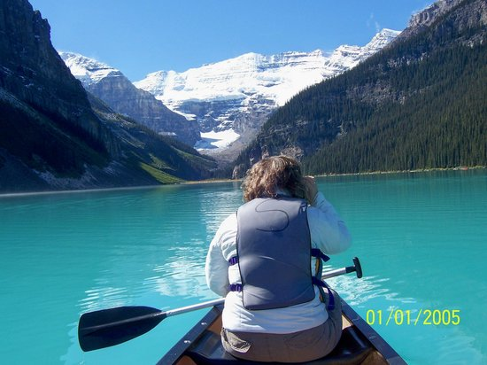 WorldMark Canmore-Banff : Spend the $ and rent the canoes at Lake Louise